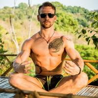 Fotograf Bens Fitness Castle Thailand Shooting in Holzhütte